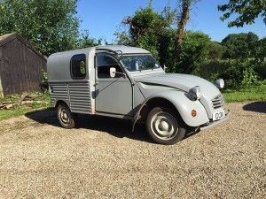73Citroen2CV-PeterStevens1